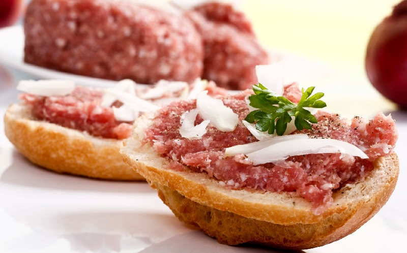 mett-mon-thit-song-day-an-tuong-cua-duc
